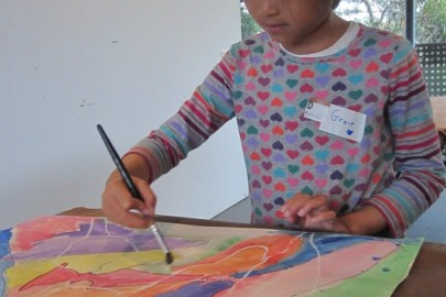 children making art