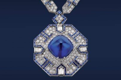 Sautoir, 1969. Platinum with sapphires and diamonds