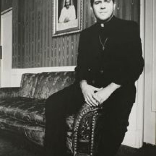 Anthony Friedkin, The Reverend Troy Perry, Gay Activist, Los Angeles, 1973 from the series The Gay Essay. Gelatin silver print. Fine Arts Museums of San Francisco, anonymous gift in honor of Sheila Glassman, 2012.70.4