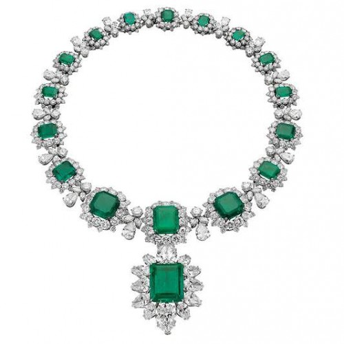 Necklace with pendant/brooch