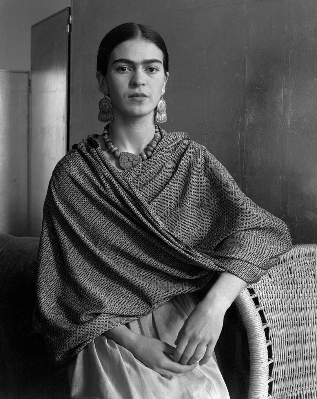 "Imogen Cunningham, ""Frida Kahlo, Painter and Wife of Diego Rivera,"" 1931. Gelatin silver print, 11.9 x 9.5 in. (30.1 x 24 cm). Center for Creative Photography, Gift of Ansel and Virginia Adams, 76.14.9 © 2020 Imogen Cunningham Trust"