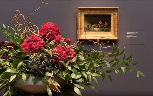 2017 Floral display by The Bud Stop. Artwork: Raphaelle Peale, 'Blackberries,' ca. 1813. Photograph by Drew Altizer.