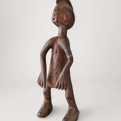 Soompa (Nigeria, Chamba, active 1920s—1940s), Female figure, early 20th century. Wood and pigment. Richard H. Scheller Collection. Photo © Robert A. Kato