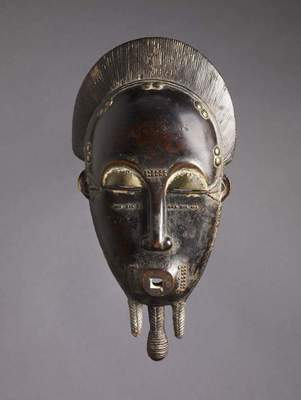 Face mask, 20th century. Ivory Coast, Baule